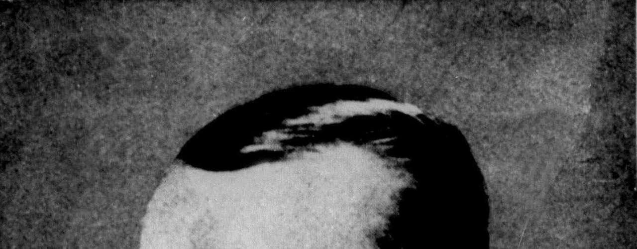 Jesse James. El ladrón de bancos, estafador, asesino y líder de la famosa Banda James-Younger, Jesse James, es una de las figuras más recordadas del crimen estadounidense del siglo XIX. Aunque James es toda una leyenda de la ilegalidad, algunos lo han etiquetado como una de las primeras muestras de insurgencia social.