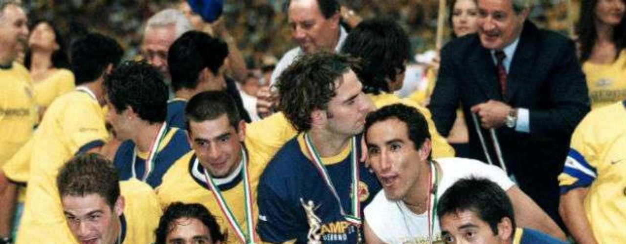 Con gol de oro, América conseguía su noveno título en el Verano 2002 tras vencer al Necaxa con un global de 3-2. Manuel Lapuente estaba al frente de las Águilas.