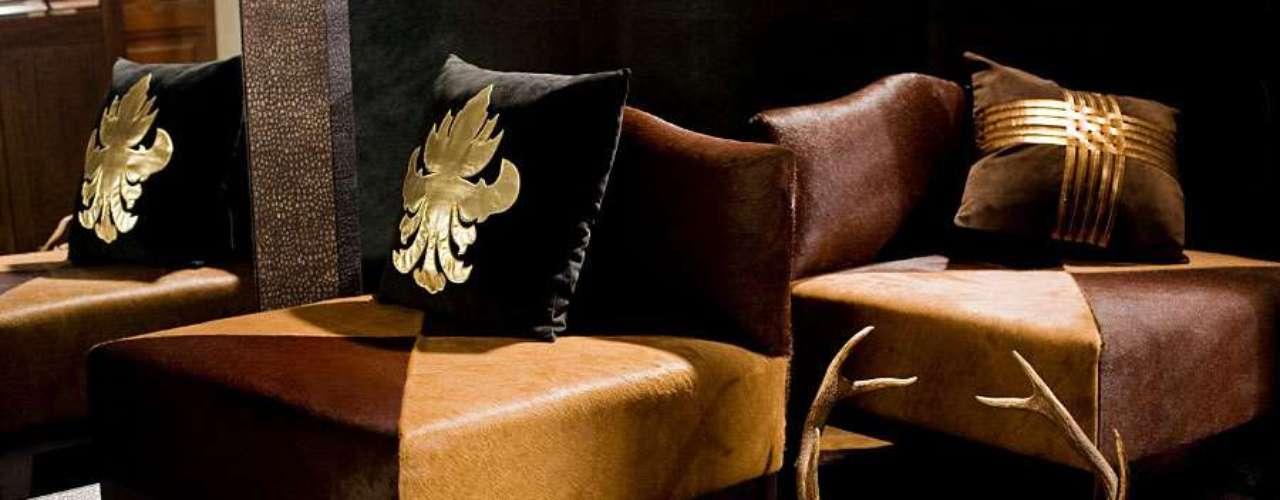 Una butaca tapizada en piel con distintos colores para hacer de nuestro rincón preferido un sitio muy especial. La podemos compra en Portobello Street por 2.398 euros.