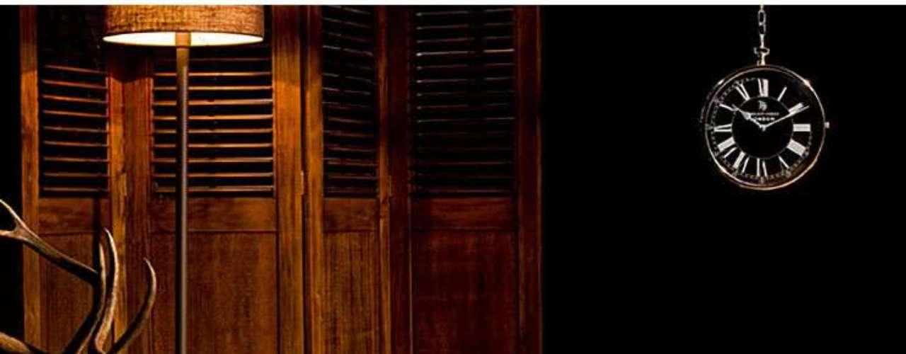 Una mesa de centro tapizada en piel de vaca con pelo será sin duda el centro de todas las miradas. Esta la hemos encontrado en Portobello Street y su precio es de 2.186 euros.