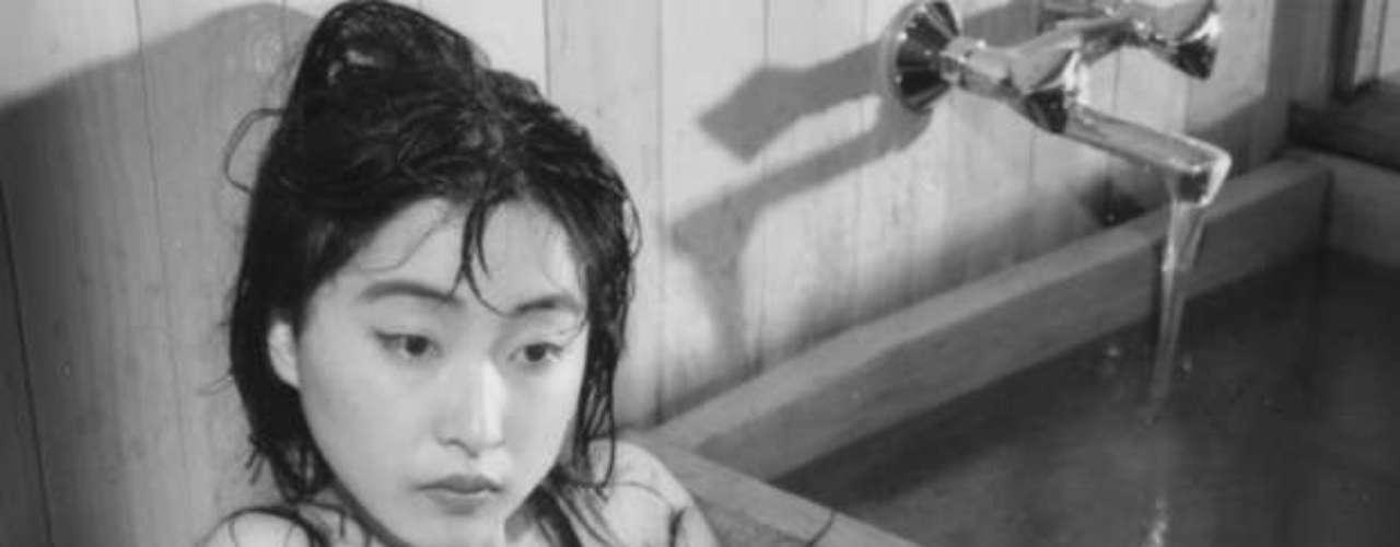 Los cambios de peinado están vinculados a cambios estéticos. Pero también, en algunas sociedades, pueden marcar un cambio en la identidad de un individuo, por ejemplo después de su iniciación. En otras circunstancias, se trata de un castigo, especialmente para las mujeres. Después de la Segunda Guerra Mundial, los franceses les pelaron la cabeza a las mujeres que mantuvieron relaciones sexuales con alemanes.