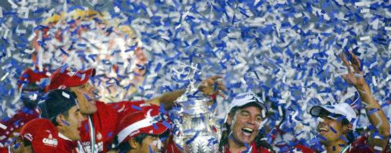 Toluca se llevó el título del Apertura 2005 al doblegar como visitante al Monterrey por global de 6-3. El argentino América Gallego dirigía a los choriceros.