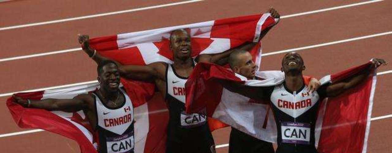 Por minutos, Canadá tuvo la medalla de bronce en los relevos 4x100 metros, pero tras la celebración vino la decepción. Fueron descalificados por infringir una norma atlética. Los jueces determinaron que el capitán Jared Connaughton, tercero en el relevo, había pisado ligeramente la línea que separa los carriles.