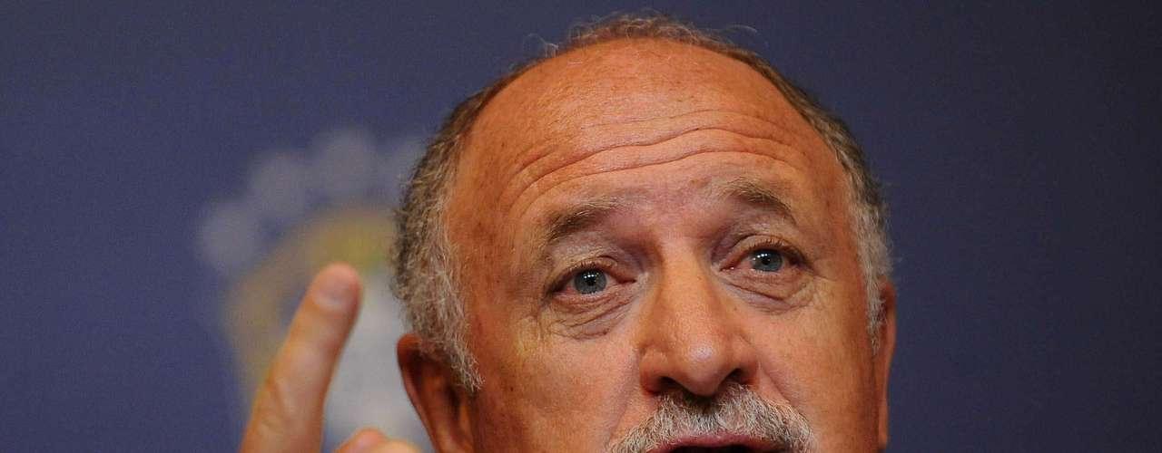 Scolari se dijo honrado de trabajar a lado de Parreira, ambos técnicos fueron los artífices de los dos últimos títulos de Brasil.