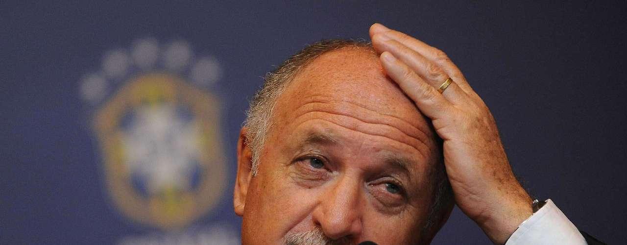 Scolari comparó la situación actual, como cuando tomó por primera vez a la selección en 2001, en vísperas de la Copa América.