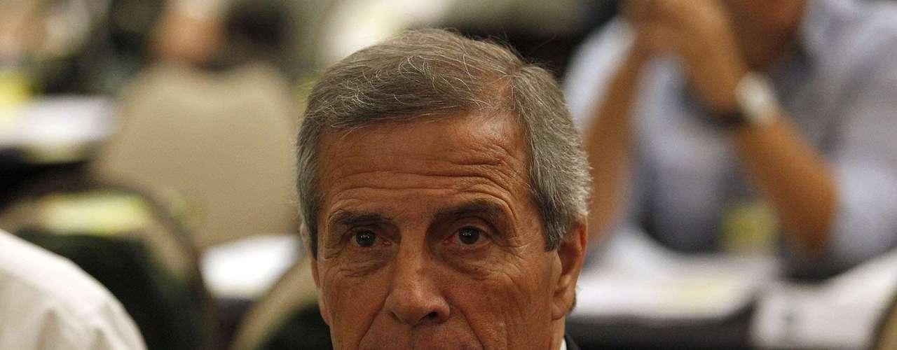 Oscar Tabarez, técnico de Uruguay, compareció en el taller realizado por los organizadores de la Copa Confederaciones