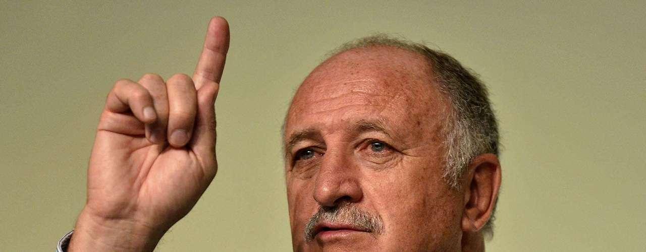 Scolari señaló que Brasil no llega con la condición de favorito, pero debe de tener la obligación de ganar la Confederaciones y el Mundial.