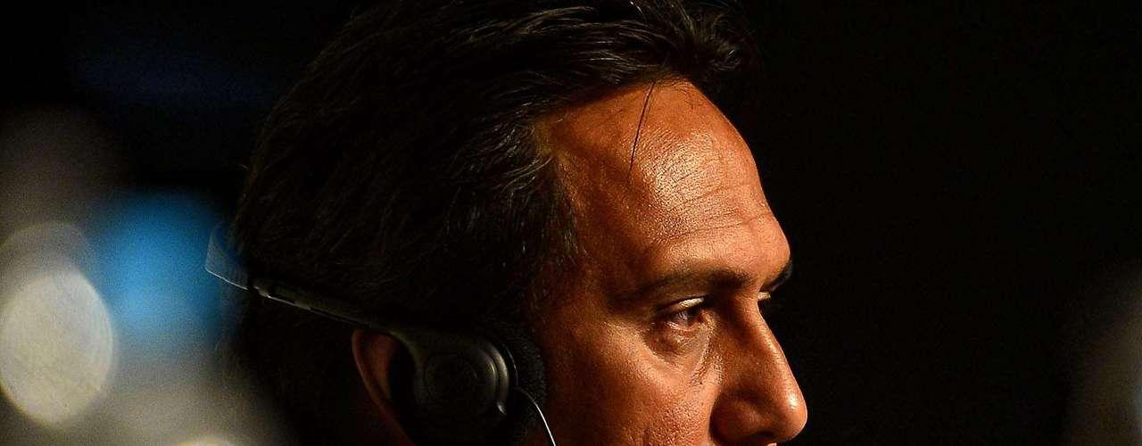 Eddy Etaeta es el técnico de Tahiti, equipo debutante en Copa Confederaciones.