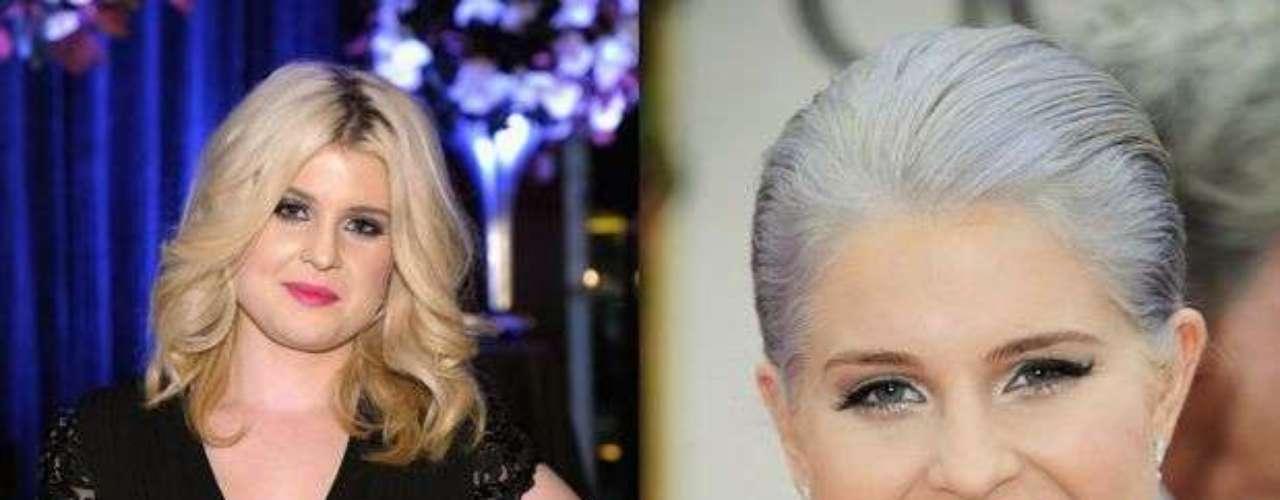 Kelly Osbourne. La famosa hija de Sharon y Ozzy nada más no le atina con el look. Hay que reconocer que logró bajar mucho de peso, pero esos tonos de cabello, ni cómo ayudarla. Cuando era rubia no se veían tan mal, pero a principios de 2012 eligió un color lila que sinceramente parecían canas.