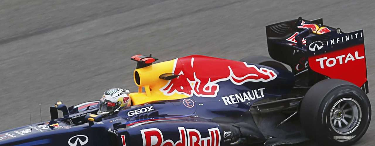 Tanta fue la influencia del ingeniero británico en la temporada que el propio Alonso dijo en el GP de India que no competían contra Vettel sino contra Adrian Newey.