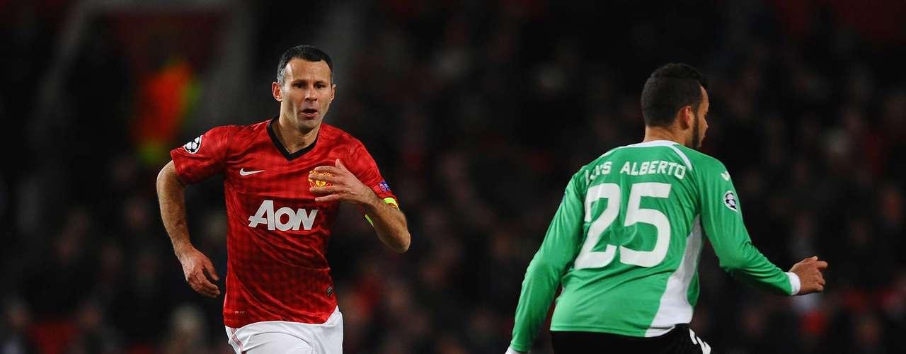 Ryan Giggs tampoco pudo ayudar ala ofensiva del equipo inglés.
