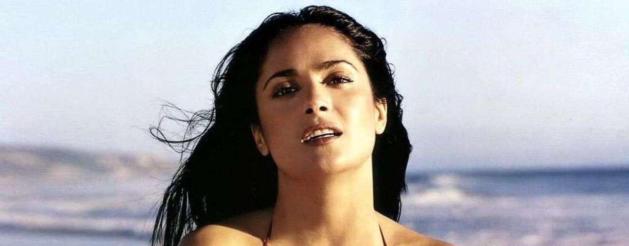 La mexicana Salma Hayek es una digna representante de la sensualidad latina