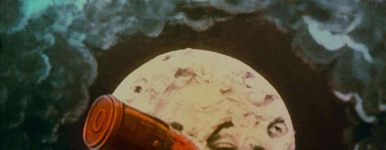 Su obra es admirada porque creó clásicos muy valiosos del cine mudo y es considerado un pionero de la ciencia ficción. Una de sus obras más recordadas es 'El Viaje a la Luna' (1902).