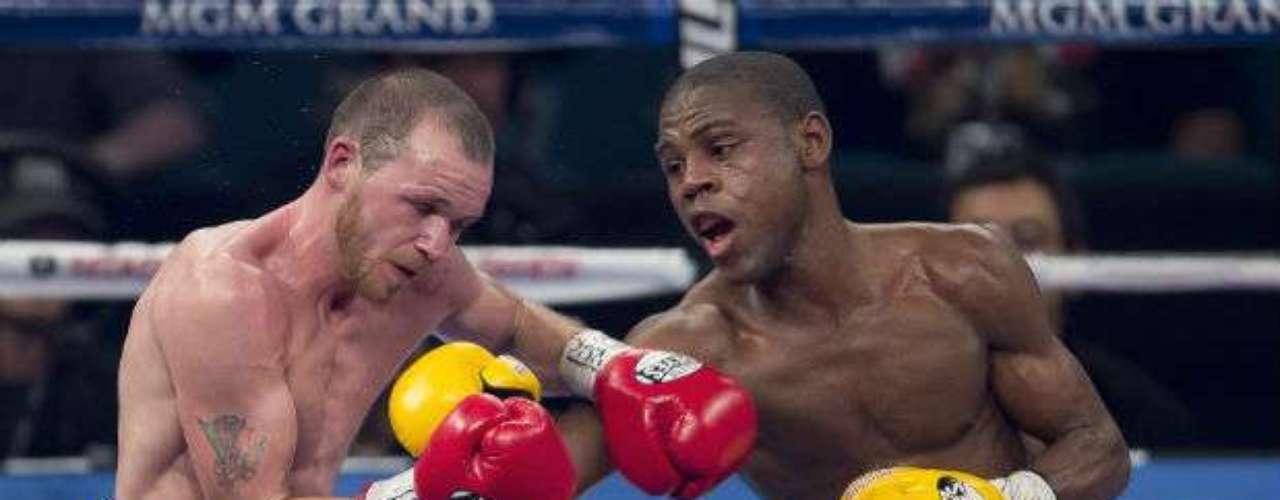 En una de las peleas previas a la estelar de Manny Pacquiao ante Juan Manuel Márquez, el dominicano Javier Fortuna venció a Patrick Hyland.
