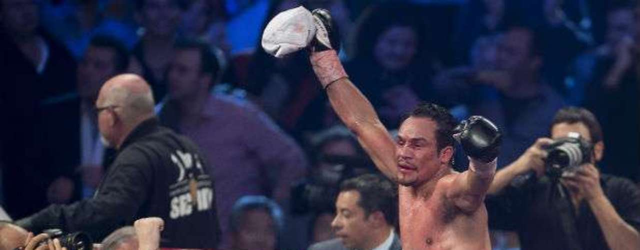 Juan Manuel Marquez didn't leave the decision to the judges this time, knocking out Manny Pacquiao in the sxith round.