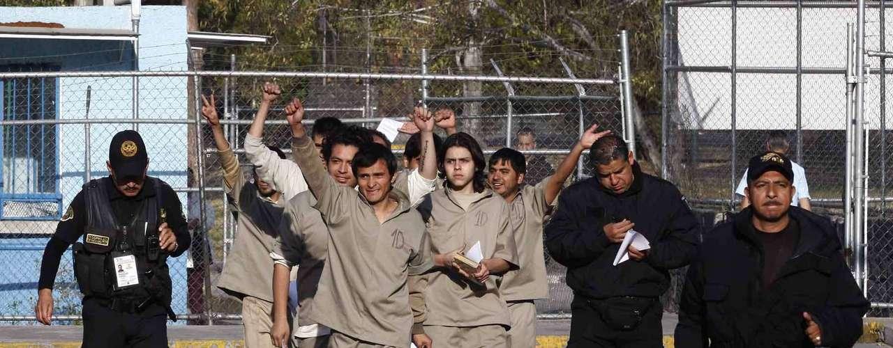 El resto de las detenidas fueron absueltas por la Jueza 47 Penal del Tribunal Superior de Justicia del DF, que no encontró elementos que las vincularan con los hechos ocurridos en la Avenida Juárez y Reforma.