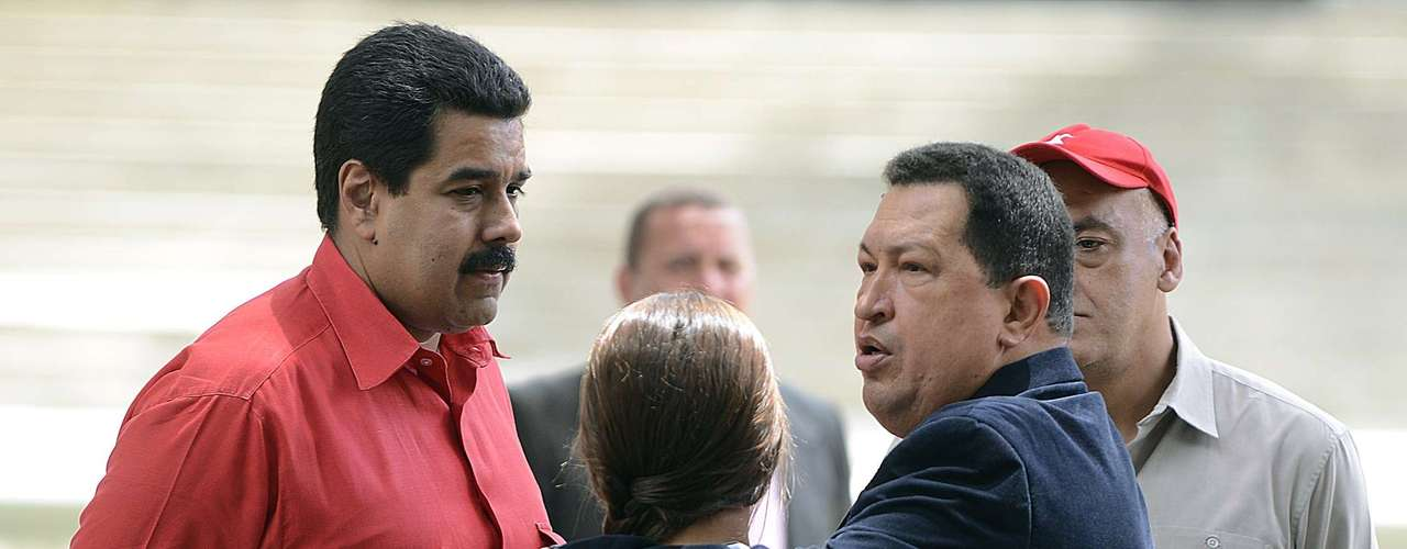 Amigo leal de Chávez desde sus tiempos de prisión por el golpe de Estado de 1992, Maduro está considerado el político que más cerca ha estado del mandatario a lo largo de su convalecencia por el cáncer que le fue detectado en mayo de 2011.