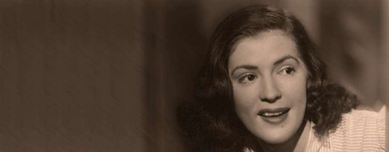 Blanca Estela Pavon, Pedro Infante's onscreen love interest in productions such as 'Los Tres Huastecos' y 'La Mujer que yo Perdí,' also died in a plane accident.  Blanca was only 23 when she passed away on September 26, 1949.