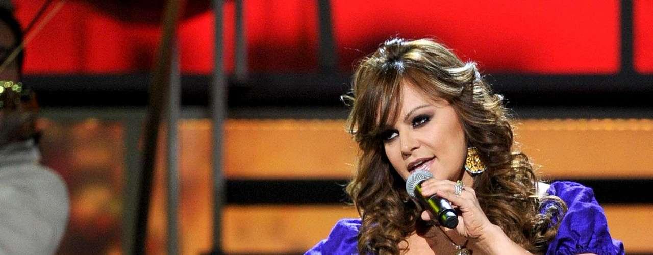 Jenni Rivera brilló en el escenario durante la 11 ª Entrega Anual del Latin GRAMMY, realizada en el Mandalay Bay Events Center, el 11 de noviembre de 2010 en Las Vegas, Nevada.