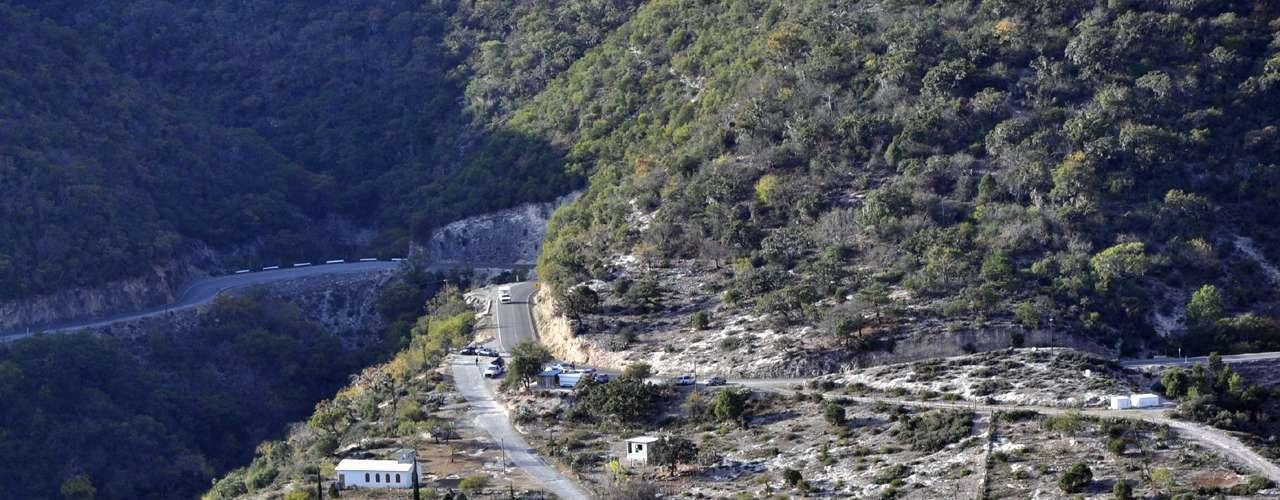 Los habitantes del ejido Tejocotes del municipio de Iturbide, Nuevo León, ha vivido par de días agitados desde que ocurrió el accidente en el que murió la cantante Jenni Rivera.