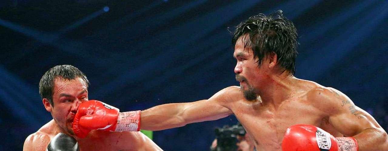 Manny Pacquiao; País: Filipinas; Récord: 54-5-2 (38 KOs)