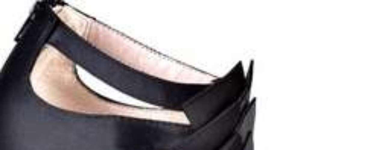 Betsey Johnson te propone estos maravillosos zapatos para celebrar en las fiestas y usarlos todo el año. 80 dólares en ideeli.com