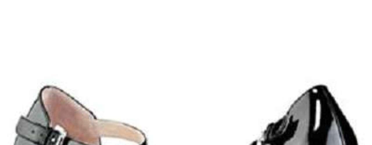 Rock and Republic nos trae estos tacones blanco y negro para las que que quieren mezclar un poco el estilo clásico con lo último de la temporada, como son las tachas. 44 dólares en Kohls.com