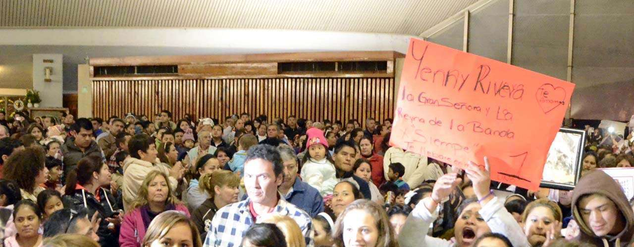 Un grupo de peregrinos guadalupanos dedicó una procesión a la cantante Jenni Rivera el 11 de diciembre de 2012 en Monterrey. Los admiradores de la 'Diva de la Banda' partieron a las 7 de la noche de la Iglesia de San Felipe, en la colonia Nuevo Repueblo, hasta el santuario de la Virgen de Guadalupe, en la colonia Independencia con una imagen de su ídolo tapizada con flores.