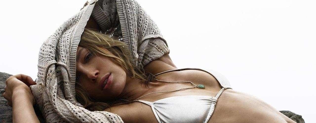 #24 Jessica Biel La actriz impactó al público masculino en 'Total Recall', pero lo que más impactó en 2012 al mundo fue su boda con el músico y actor Justin Timberlake.