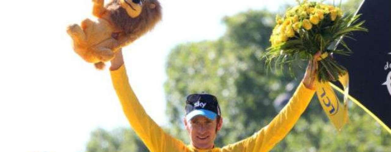 El ciclista Bradley Wiggins hizo historia al convertirse en el primer británico en ganar el Tour de Francia. Además, en los Juegos Olímpicos de Londres ganó oro luego de imponerse en la prueba contrarreloj. Por si fuera poco, dentro del marco de la inauguración de los JO, fue una de las figuras centrales al dar el 'campanazo' de inicio de la justa veraniega.