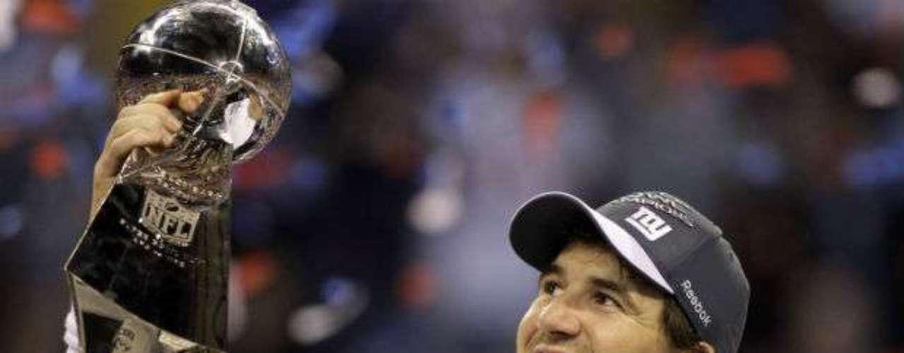 Eli Manning y los New York Giants lo volvieron hacer en el Super Bowl. Con una victoria dramática, el 'Blue' derrotó a los New England Pats en el Súper Tazón XLVI 21-17. No hubo revancha de la edición XLII y Manning se convirtió en el jugador más valioso. Sin duda un recuerdo grato para los fanáticos de los emparrillados.