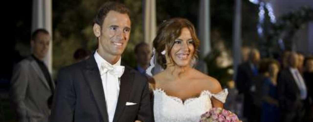 El ciclista murciano, Alejandro Valverde, revolucionó la Región de Murcia con su boda. Dio el 'si quiero' a su mujer, Natalia en la Finca Buenavista. A la fiesta acudieron muchos compañeros del mundo del ciclismo.