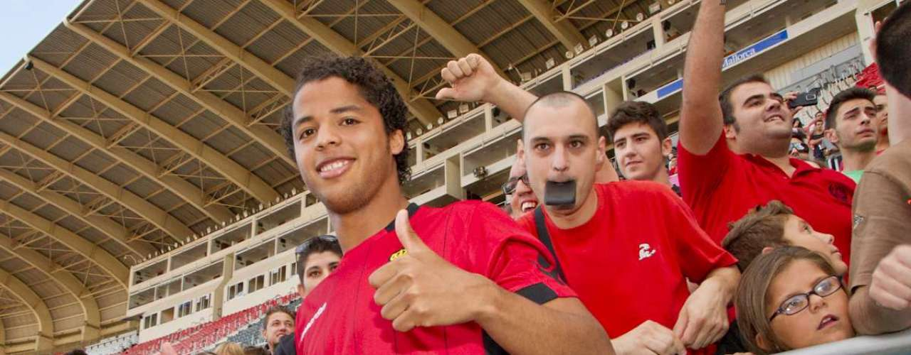 Giovani Dos Santos finally was able to leave Tottenham and was acquired by Spanish club Mallorca during the summer. Gio's club unfortunately has not done well until now.
