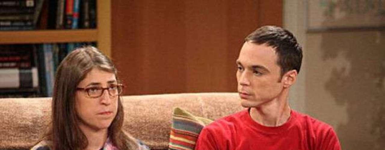 The Big Bang Theory. Comedia que analiza a fondo la vida de un grupo de científicos con serios problemas para afrontar las relaciones con mujeres. Una de las grandes comedias de estos días.
