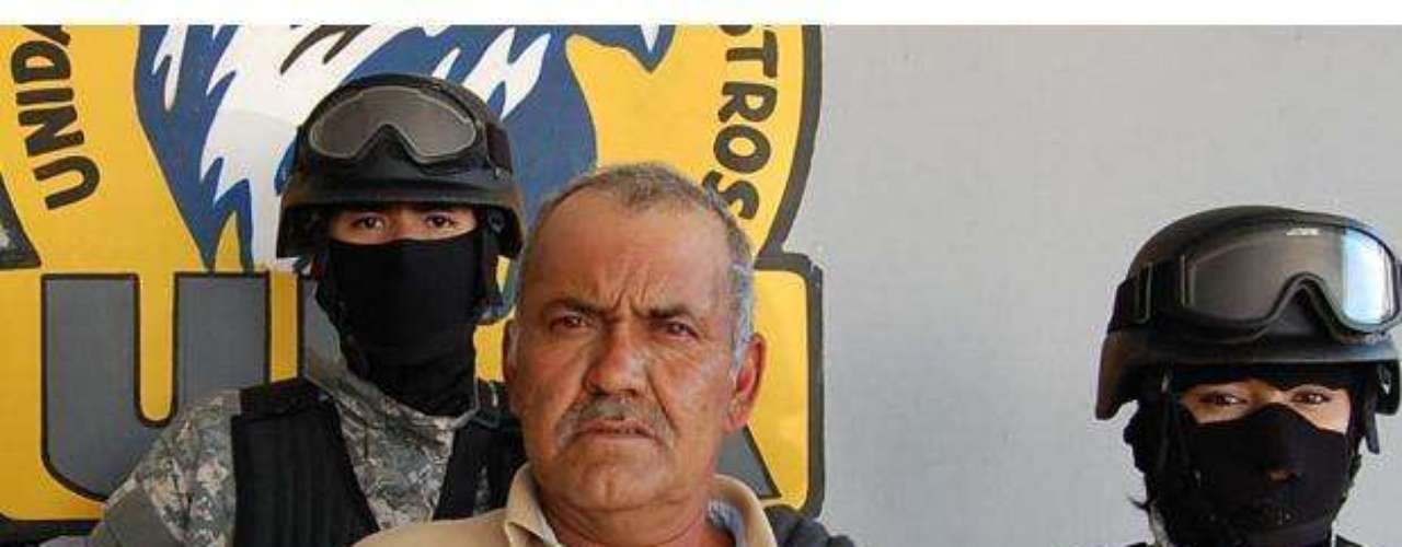 11 de enero del 2012.- Heriberto Norzagaray Beltrán, alias El Gordo, fue capturado por agentes antisecuestros en Sinaloa, a quien se le atribuye el plagio del hijo del cantante Vicente Fernández, en 1997. El delincuente lideraba a la banda de Los Mochadedos, quienes secuestraron a más gente de la farándula, como al sobrino del luchador El Perro Aguayo, además del padre de dos integrantes del grupo Los Temerarios.