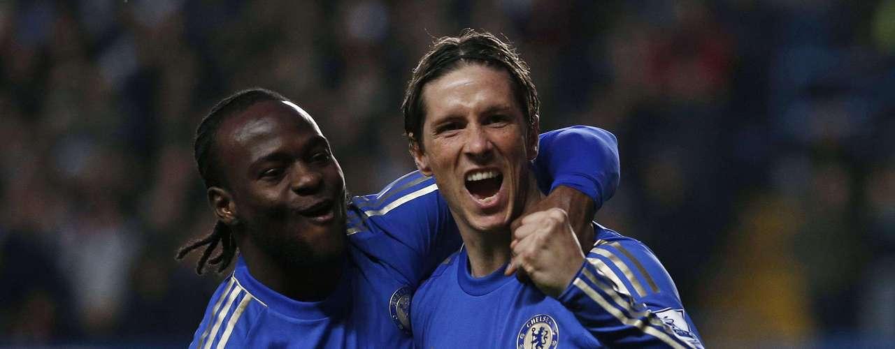 Abrió el marcador el español Fernando Torres (3) y tuvieron un papel especial los brasileños del equipo londinense.