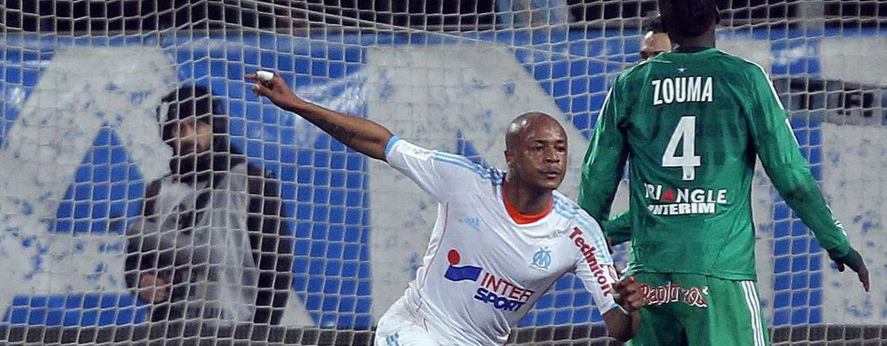 Olympique Marseille's Andre Ayew reacts after scoring against Saint Etienne during their French Ligue 1 soccer match at the Velodrome stadium in Marseille, December 23, 2012.