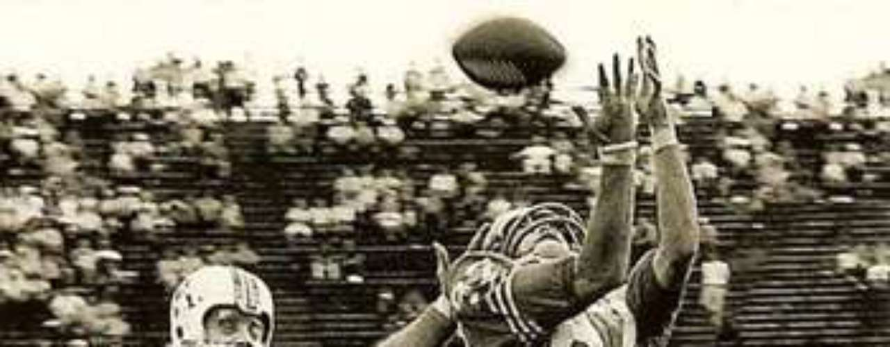 Rice broke a record that had stood for 34 years. In 1961, AFL receiver Charley Hennigan caught 82 passes for 1,746 yards, good for an average of 21.2 yards per catch.