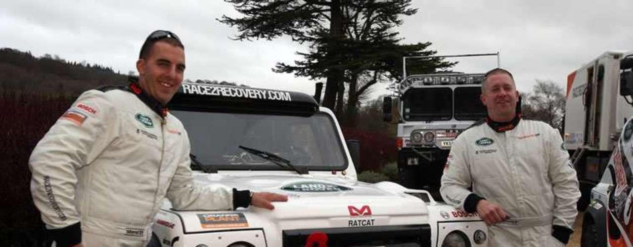 Esta escuadra, compuesta por militares y civiles que sufren algún tipo de discapacidad por culpa de la guerra, buscan demostrar que sus integrantes son capaces de completar el Dakar 2013.