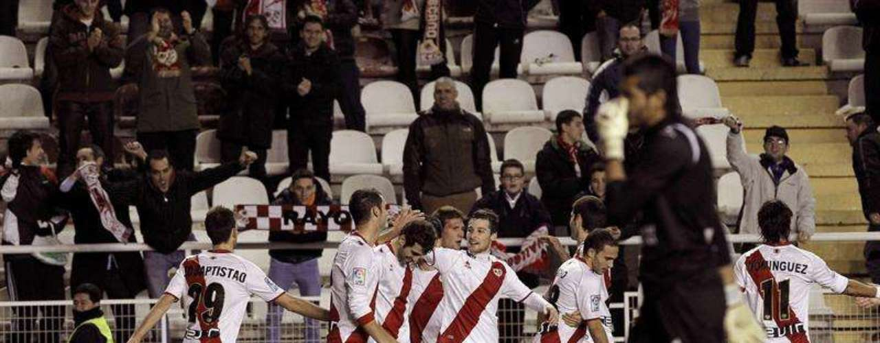 Rayo Vallecano whiped Levante 3-0 at Vallecas.