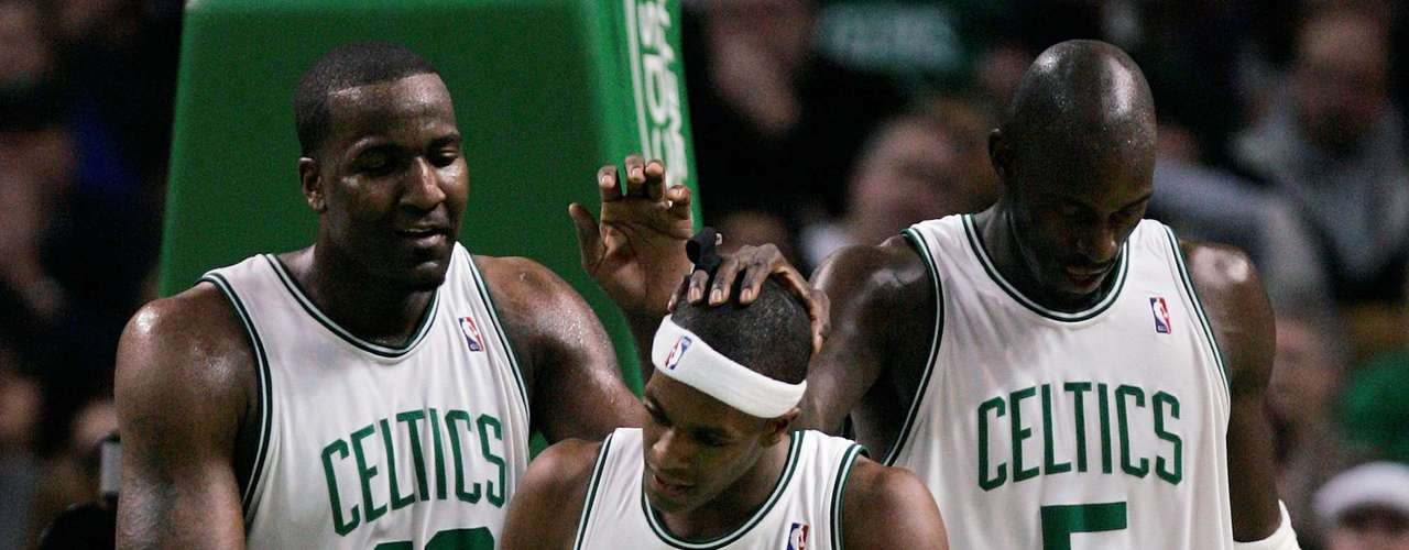 The 20008-2009 Celtics took advantage of the original big three to 19 straight games, though they would fail to make the NBA finals.