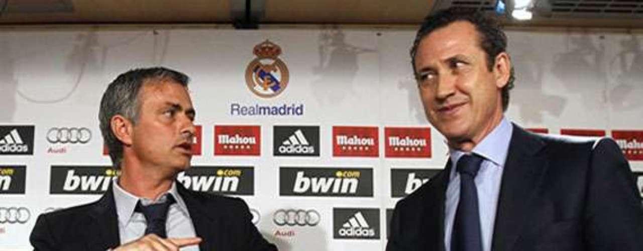 Tras su llegada al club en mayo de 2010 y luego de varias diferencias, Mourinho acabó 'echando' al entonces director general del club, el argentino Jorge Valdano.