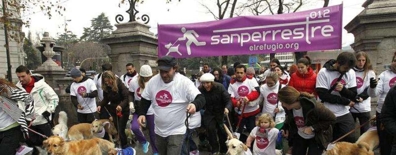 Esta carrera popular para madrileños con sus perros es organizada por la asociación El Refugio para reivindicar el libre acceso con animales a todos los lugares públicos