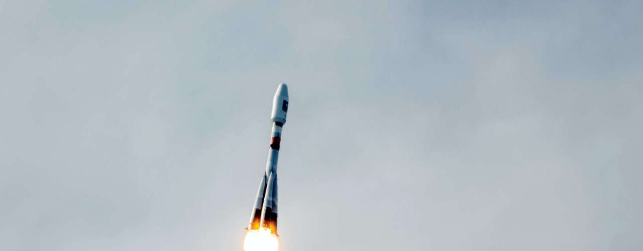 Vuelos Cygnus - La empresa contratada por la NASA, Orbital Sciences Corp. tiene previsto lanzar su cohete Antares en su primer vuelo de prueba, lo que llevará un modelo de su nave espacial Cygnus robótica. El lanzamiento despegará desde el complejo de la compañía en Wallops Island, en Virginia.