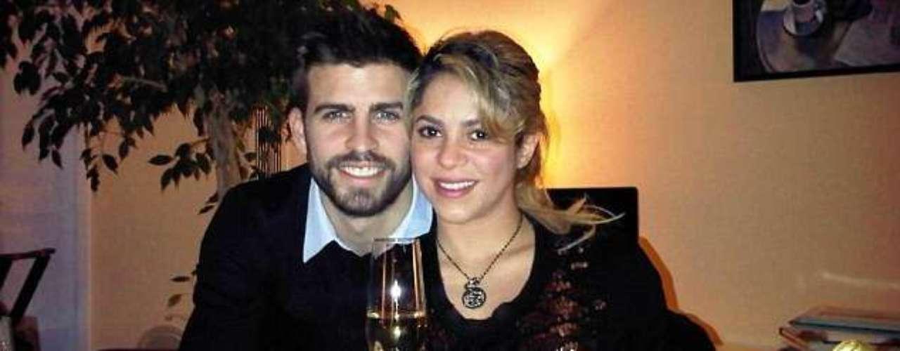 Shakira y su novio Gerad Piqué recibieron juntos el 2013, el año que se convertirán en padres.