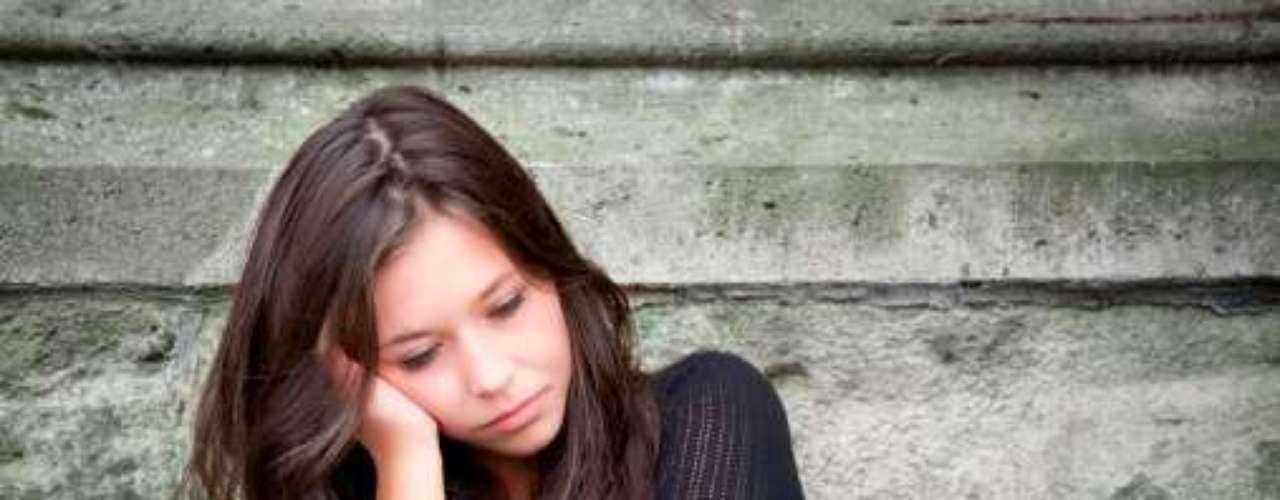 ADOLESCENTES: En caso de tener que tomar una decisión muy difícil, siempre consultará con amigos o las personas en la que confía.