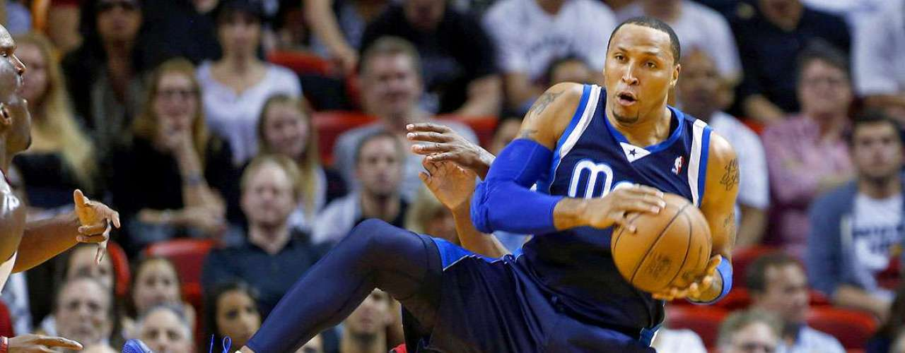 Mavericks vs. Heat: Shawn Marion (0) recupera el balón ante el grave error de Ray Allen.