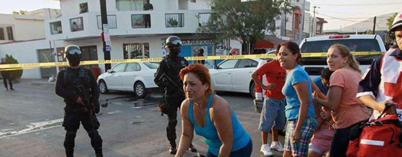 Durante el gobierno de Felipe Calderón, que concluyó el 1 de diciembre, murieron alrededor de 70 000 personas en hechos asociados con el crimen organizado, según estimaciones de la actual administración del presidente Enrique Peña Nieto.