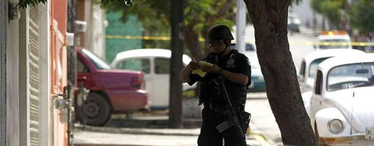 Según datos recopilados por el Centro de Investigación para el Desarrollo, A.C. (CIDAC), en el 9 por ciento del territorio mexicano se concentra el 50 por ciento de los homicidios relacionados con el crimen organizado, principalmente en los estados de Chihuahua, Sinaloa y Guerrero.