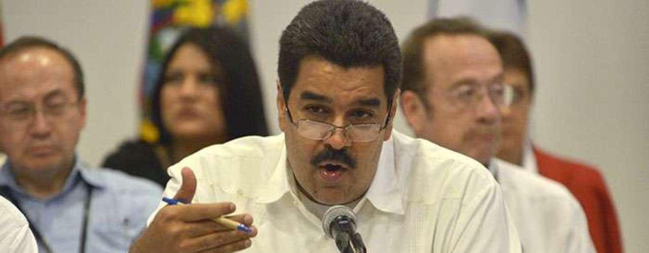 Maduro es el candidato oficialista propuesto por Chávez para unas elecciones presidenciales que se vislumbran cada vez más como la salida institucional a la crisis desatada por el agravamiento del presidente.